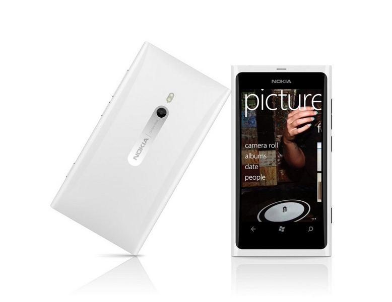 Nokia Lumia 800 Blanc 03