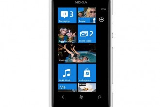 Nokia Lumia 800 Blanc 04