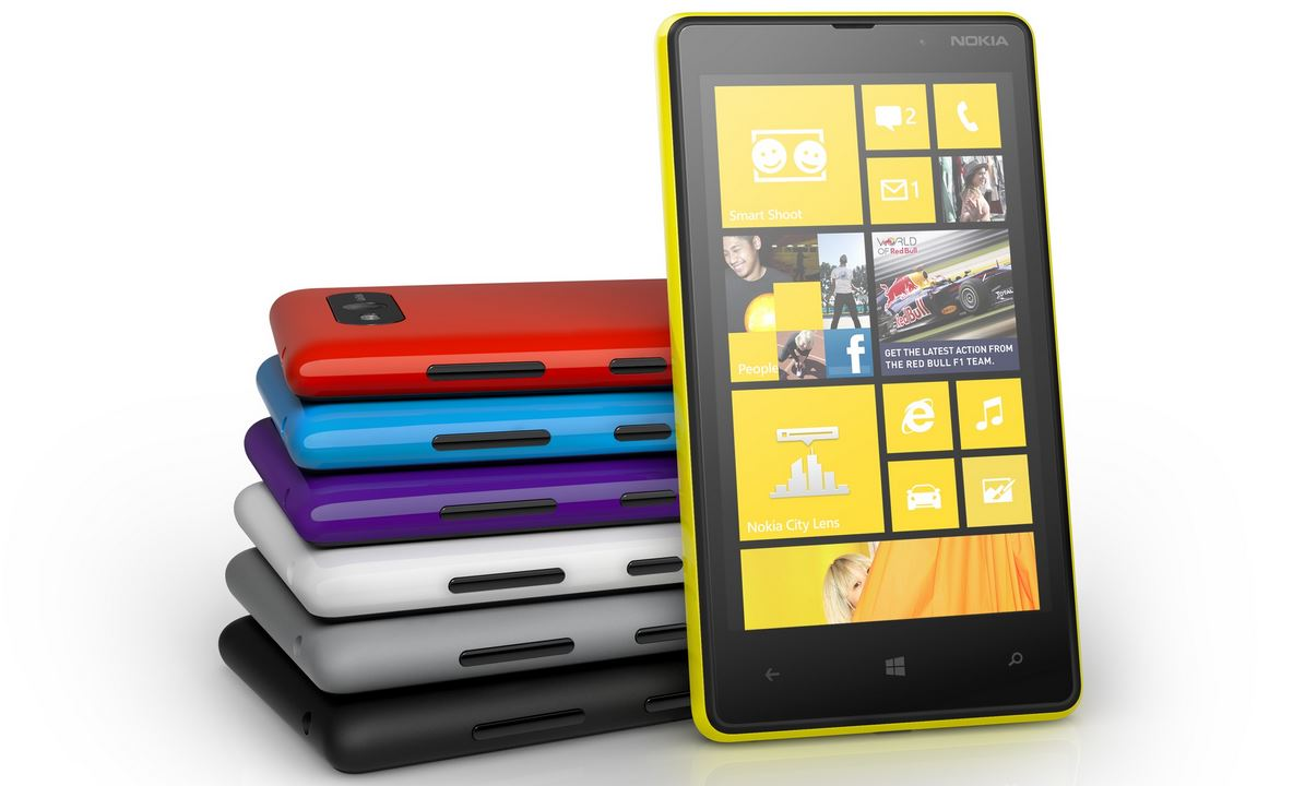 Nokia Lumia 820 03